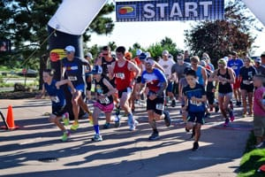 Photo of the race starting line with runners