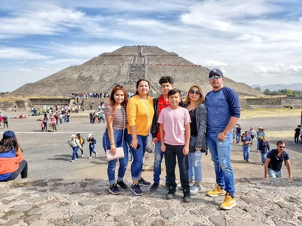 Picture of the Granados family in Teotihuacán near Mexico City,
