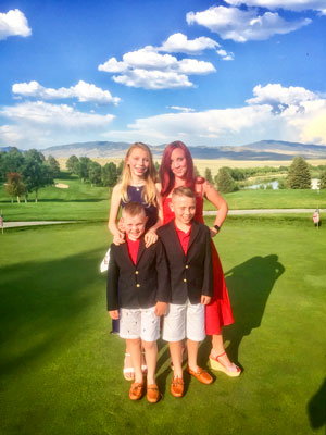 Photo of Ashley Oxton with her children in Saratoga, Wyoming.