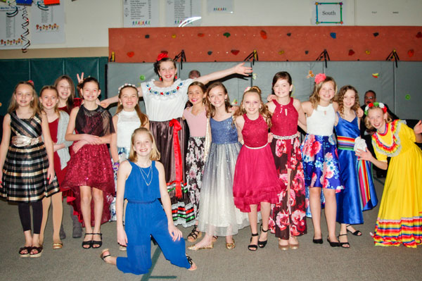 Photo Timber Trail Elementary Daddy Daughter Dance