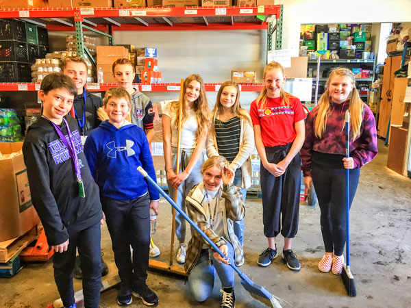 Photo Students from DCS Montesorri volunteer at Help & Hope Center