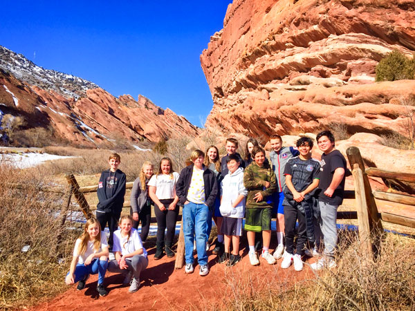Photo of DCSM middle school geology students