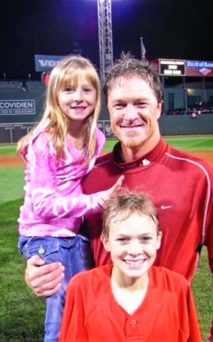 Timlin kids with dad at Fenway