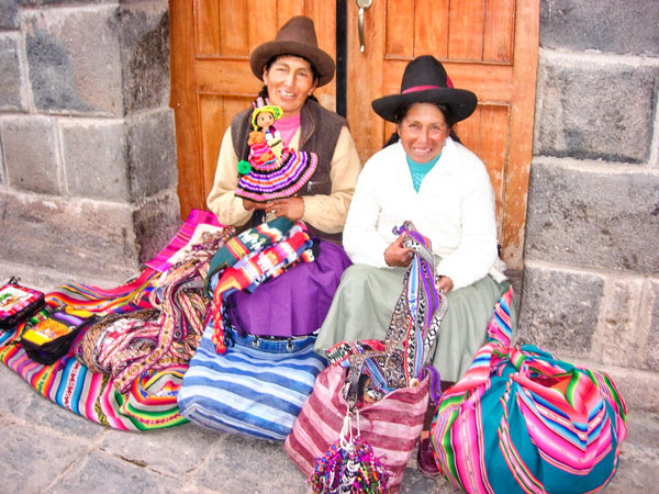 Photo of crafters in Peru