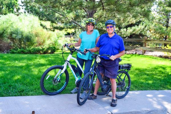 Photo of Avid e-bikers Dave and Carolyn Richardson