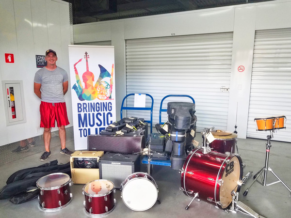 Photo of Pete Chambers brings musical instruments to kids