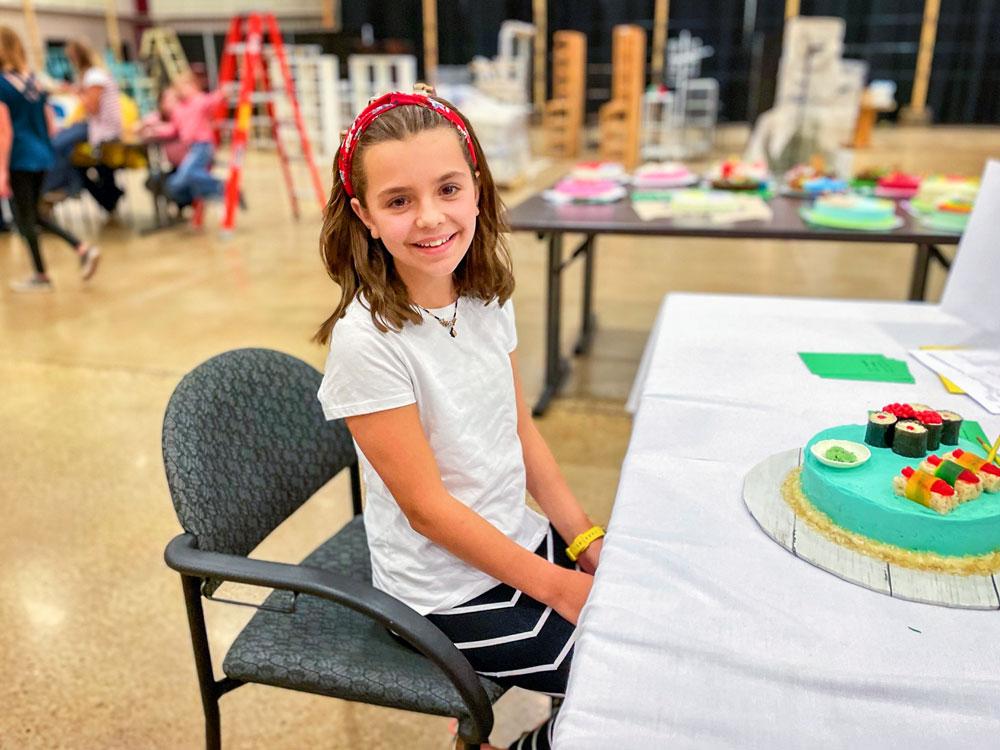 Photo of Arianna (Ari) Griffin baker and cake decorator.